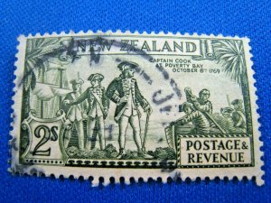 NEW ZEALAND  1935  -  SCOTT # 197  -   USED   (Hn10)