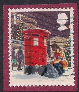 GB 2018 QE2 1st Class Christmas ' Post Box' used on paper ( T884 )