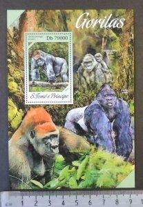 St Thomas 2013 gorillas apes animals s/sheet mnh