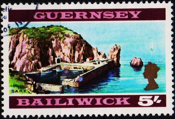 Guernsey. 1969 5s S.G.26 Fine Used