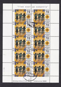 Netherlands  #927  cancelled  1996  sheet ten for your holiday
