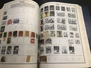 STATESMAN DELUXE STAMP ALBUM Lots Of Nice Stamps Might Find Some Gems