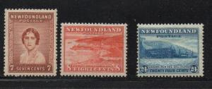 Newfoundland Sc 208-10 1932 views set mint