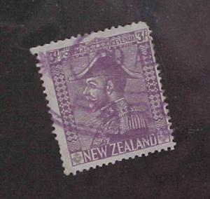 NEW ZEALAND STAMP #470 cat.$250.00 ONE SHORT PERF