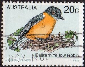 Australia 716 - Used - 20c Eastern Yellow Robin (1979) (2)