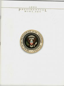 1986 Presidential Mounted Mint Set 2216-19. Set includes 24 pages of History C69