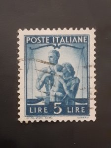 *Italy #472                Used