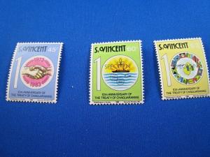 ST. VINCENT  -  SCOTT # 675-676, 678    MNH   (gg)