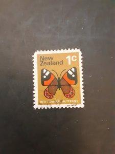 *New Zealand #439                  Used