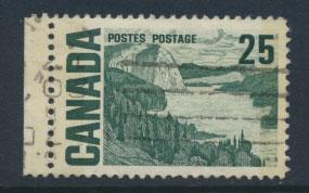 Canada SG 588p Used 2 phosphour bands - see details