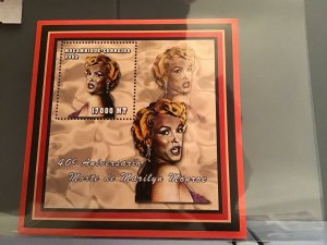 Mozambique 2002 40 Anniversary  Marilyn Monroe death MNH stamp sheet R23907