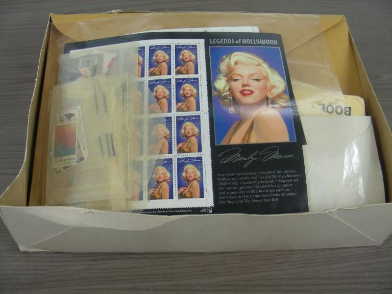 US MINT POSTAGE FACE 800 Large Accumulation Of Mint Stamps In Singles