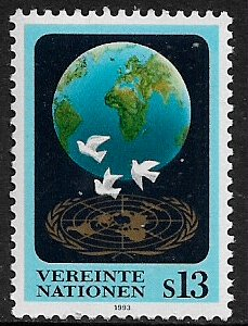 UN, Vienna #149 MNH Stamp - Globe and Doves