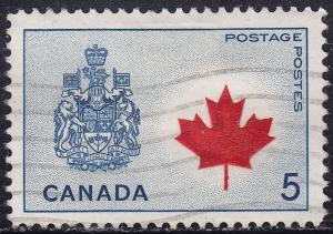 Canada 429a USED 1966 Coat of Arms and Maple Leaf 5¢
