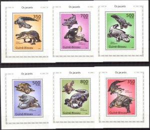 {334} Guinea -Bissau 2010 Crocodiles 6 S/S Deluxe MNH**