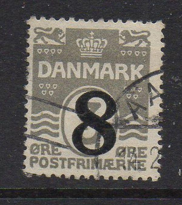 Denmark Sc 163 1921 2 8 ore ovpt on 3 ore wavy line stamp used