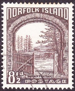 NORFOLK ISLAND 1953 QEII 8½d Chocolate SG16 FU