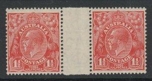 Australia, Scott 68 (SG 96), MNH Gutter pair