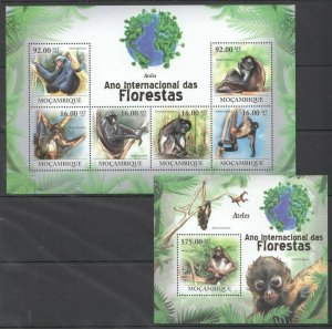 BC1265 2011 MOZAMBIQUE FAUNA FLORESTAS ANIMALS MONKEYS ATELES BL+KB MNH