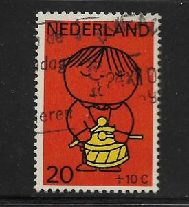 NETHERLANDS, B454, USED, CHILD WITH DRUM