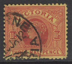 VICTORIA SG386a 1901 1½d BROWN-RED/YELLOW USED