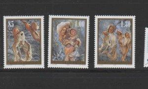 LIECHTENSTEIN #1337-1339  2005  CHRISTMAS    MINT  VF NH  O.G