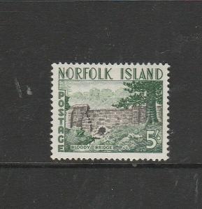 Norfolk isalns 1960/2 5/- MM SG 35