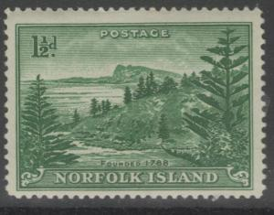 NORFOLK ISLAND SG3 1947 1½d EMERALD-GREEN MTD MINT