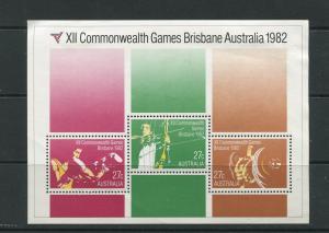 STAMP STATION PERTH Ausralia #844a Souvenir Sheet of 3 MH CV$1.75.