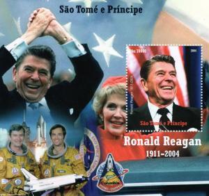 Sao Tome & Principe 2004 SPACE-Ronald Reagan s/s Perforated mnh.vf