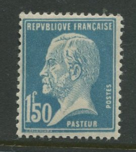 STAMP STATION PERTH France #196 Louis Pasteur 1926 MVLH