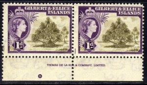 Gilbert & Ellice Islands 1956 - 62 QE2 1d Pair Pandanus Pine Umm SG 65 ( K1073 )