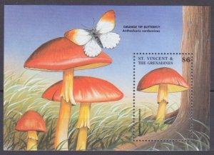 1998 St Vincent & Grenadines 4328/B448 Mushrooms 5,50 €