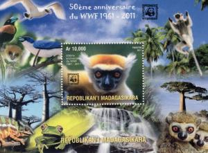 Madagascar 2011  WWF 50th.Anniversary Lemours/Birds/Frogs SS (1) Perforated MNH