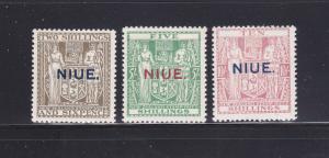 Niue 31-33 MHR Coat Of Arms