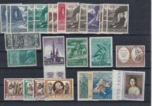 Vatican Stamps  Ref: R7423