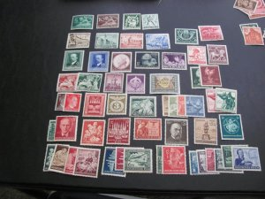 GERMANY 1940'S MNH 34  SETS   (113)