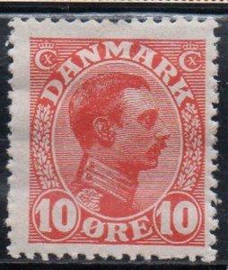 Denmark Sc 100 1913 10 ore red Christian X  stamp mint