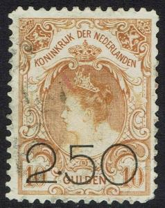 NETHERLANDS 1920 QUEEN 2.50 ON 10G USED