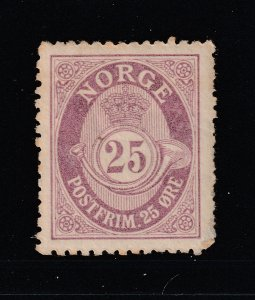 Norway a MH 25ore mauve posthorn from 1909-29