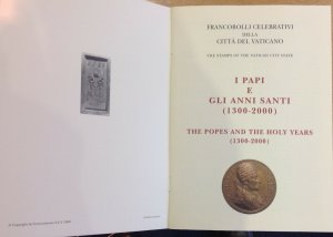 VATICAN BOOKLET 2000 STAMPS FOR POPES 1300-2000 STAMPS ARE CAT £117 MAGIC!!!