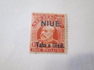 Niue #16 MLH  2019 SCV = $8.00