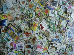 Malaysia and states, scrap pile of 1600 (estimated). Duplicates, mixed condition