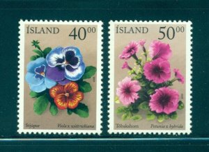 Iceland - 917-8. 2000 Flowers. MNH. $2.50.