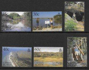 CAYMAN ISLANDS SG946/51 2001 TOURISM MNH