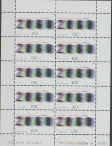 Mi: 2102  mnh    2000  Cat  €  13.00