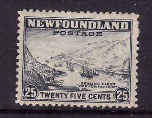 Newfoundland-Sc#265-unused og hinged 25c Sealing Fleet-1941-44-id223-