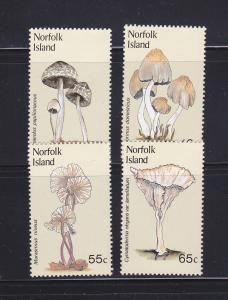Norfolk Island 306-309 Set MNH Mushrooms (B)