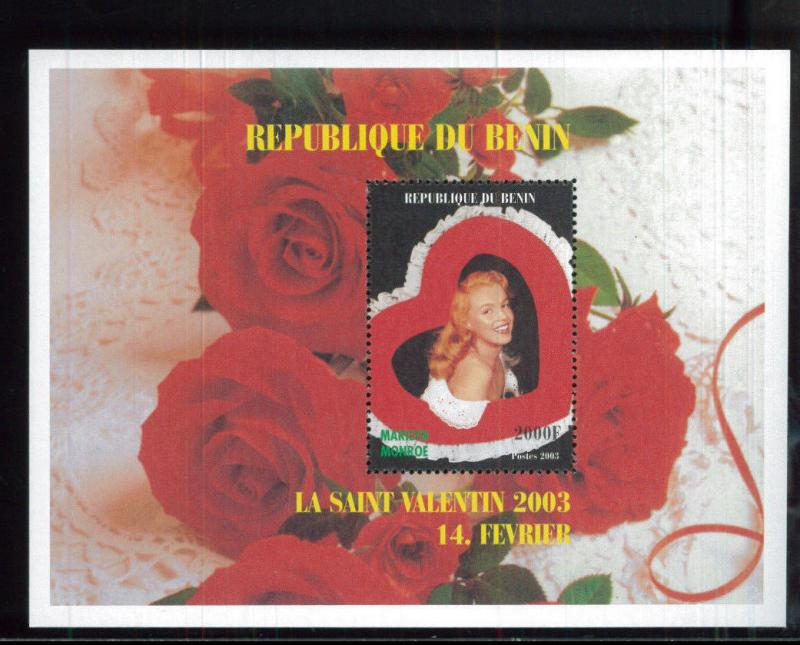 Marilyn Monroe Valentine's Day Red Roses 2003 Souvenir Stamp Sheet Benin E13