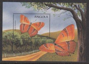 Angola 1021 Butterflies Souvenir Sheet MNH VF